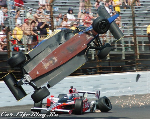 indy500_crash-2