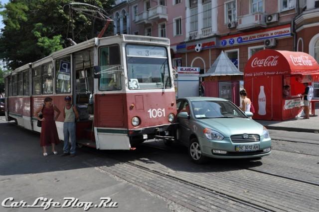 devushkatromvay-1