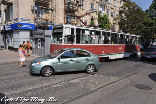 devushkatromvay-2
