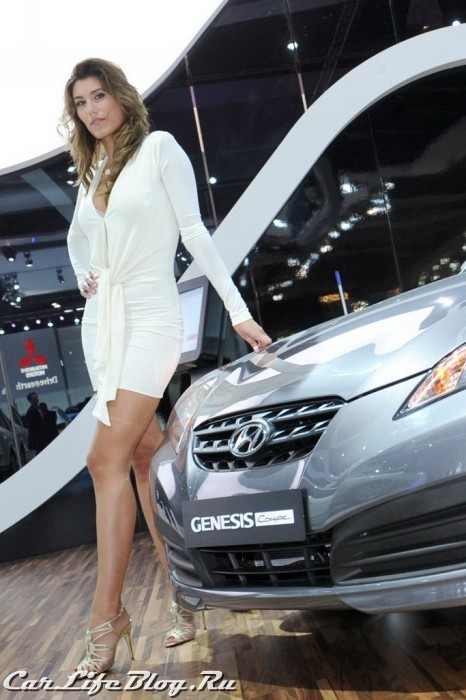 paris-motor-show-models-15