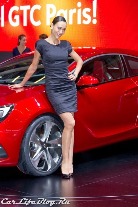 paris-motor-show-models-39
