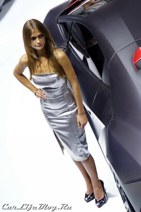 paris-motor-show-models-41