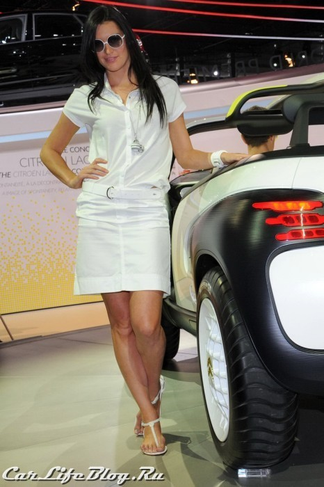 paris-motor-show-models-49