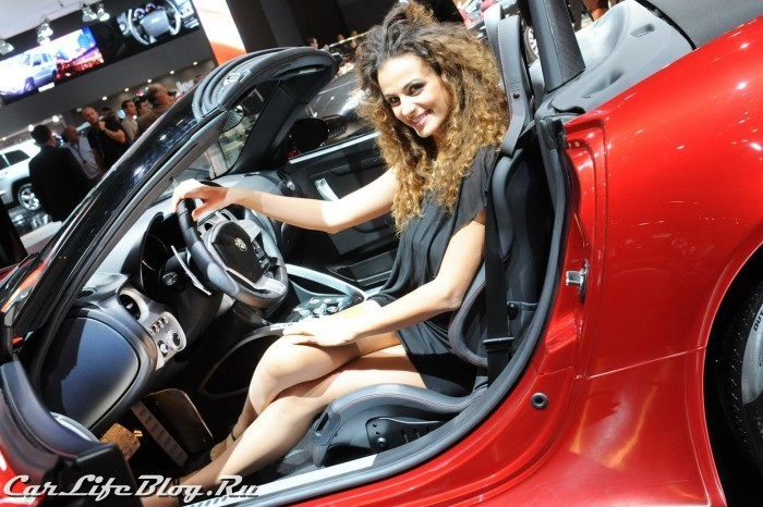 paris-motor-show-models-59