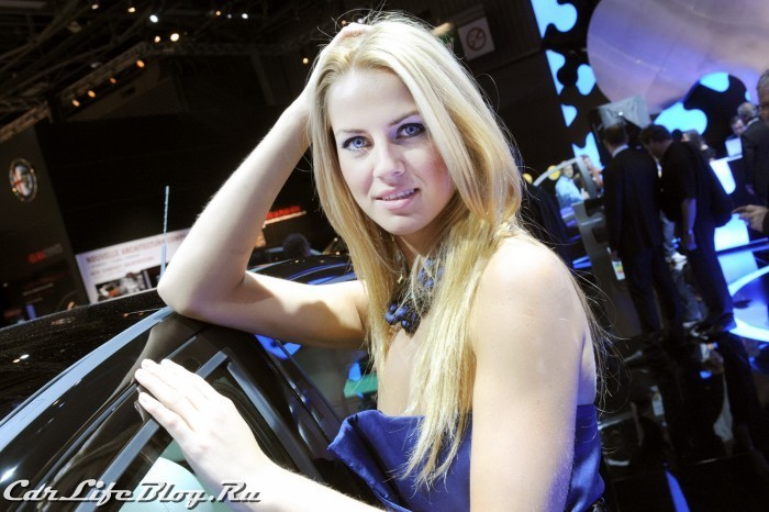 paris-motor-show-models-61