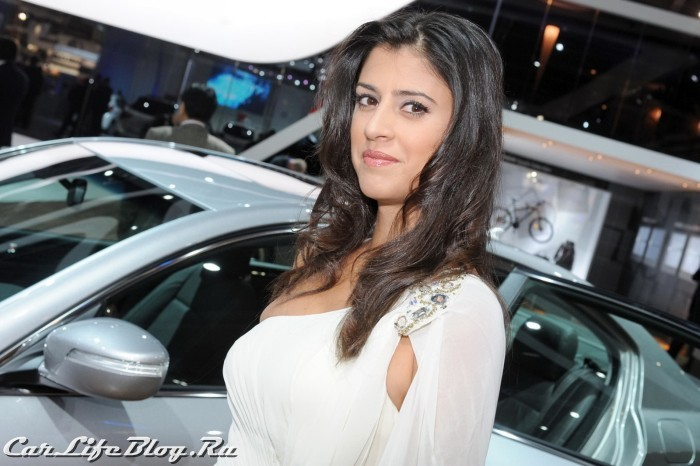 paris-motor-show-models-67