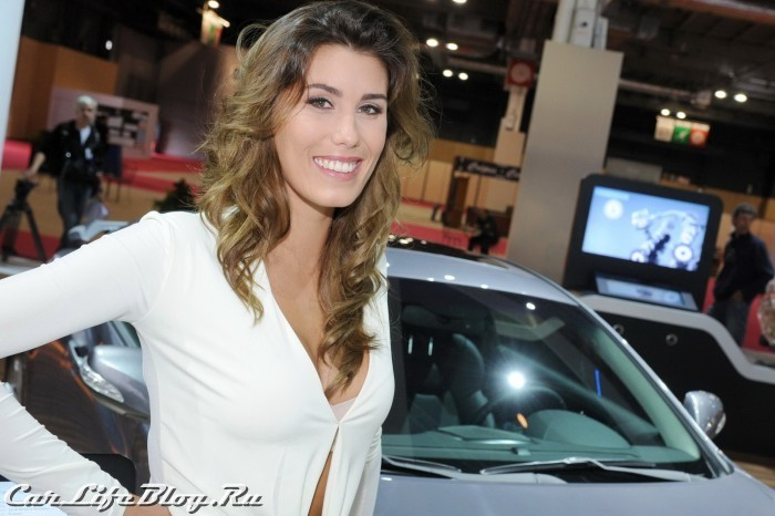 paris-motor-show-models-68
