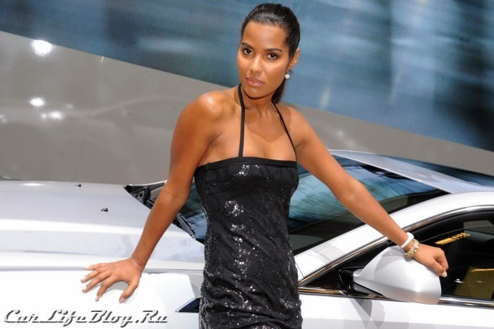 paris-motor-show-models-73