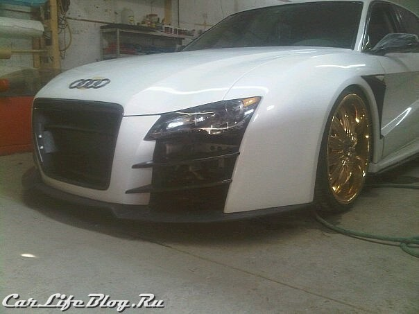 audi-r8-saloon-spotted-in-canada-medium_1