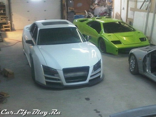 audi-r8-saloon-spotted-in-canada-medium_2