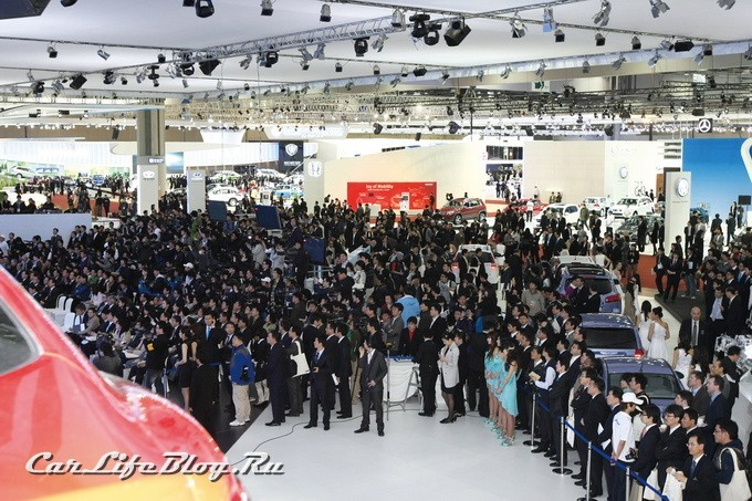 seoul-motor-show-always-brings-tens-of-thousands-of-people
